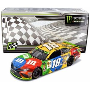 Lionel Racing Kyle Busch 2018 Richmond Sweep Win M&Ms Raced Version NASCAR Diecast Car 1:24 Scale