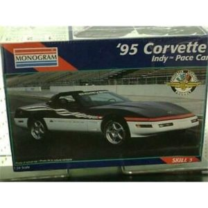 Monogram 2467 '95 Corvette Indy Pace Car model kit