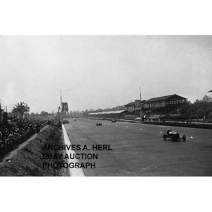 Monza 1931 Grand Prix Italian Formula One Campari photo tribune Alfa Romeo