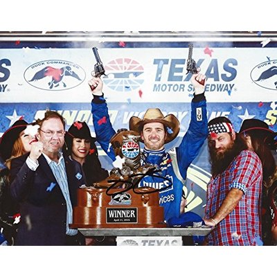 AUTOGRAPHED 2015 Jimmie Johnson #48 Lowes Racing DUCK COMMANDER TEXAS RACE WIN (Victory Lane with Willie) Hendrick Motorsports Signed Collectible Picture NASCAR 9X11 Inch Glossy Photo with COA