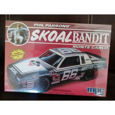 MPC Skoal Bandit 1985 Phil Parsons Monte Carlo 1:25 Model Kit 1-1304 New Sealed