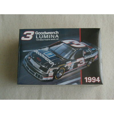 FACTORY SEALED Monogram Dale Earnhardt #3 Goodwrench Lumina #0663  1994 Kit