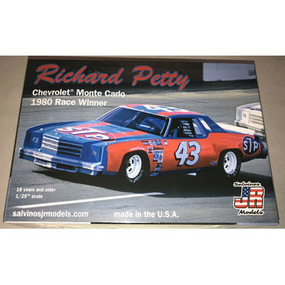 Richard Petty #43 Chevy Monte Carlo Stock Car 1:25 model racecar kit new