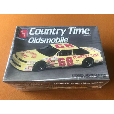 AMT ERTL COUNTRY TIME OLDSMOBILE #68 1/25 CCAMI